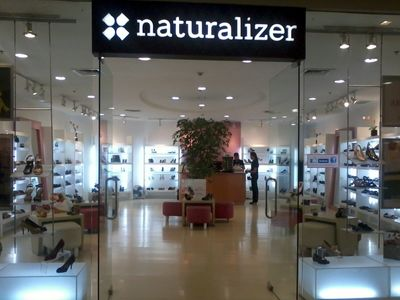 Naturalizer Canada to Close All Stores & Switch to Online Shopping – Black Friday Sale On Now!