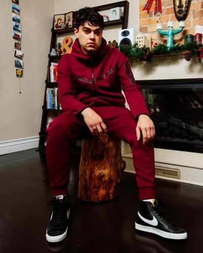 Foot Locker Canada Boxing Day Sale: Save 25% OFF Many Items Including Shoes, Apparel & Accessories